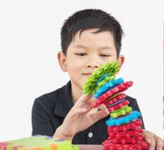7 Manfaat Mainan Edukasi Puzzle dan Balok Susun Bagi Anak