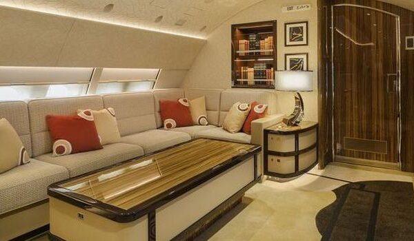 Intip Jet Pribadi yang Disebut Istana Terbang